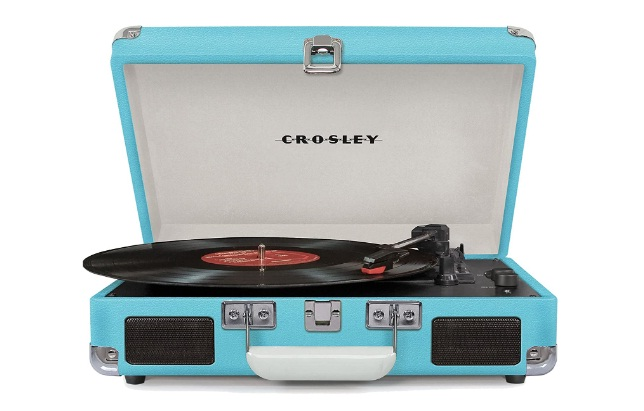 Crosley Cruiser Deluxe Vintage 3-Speed Bluetooth Suitcase Turntable